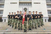 """以军人的姿态,守卫""""嘉庚""""国旗"""